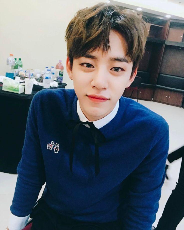 """86.6 mil curtidas, 2,827 comentários - DaeHyun (@dh_jung_bap) no Instagram: """"무대끝✌️ 찾아와준baby들 고맙고 사랑합니다❤️"""""""