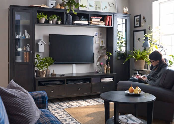 Using Freestanding Pieces Means Your Living Room Furniture Can Grow