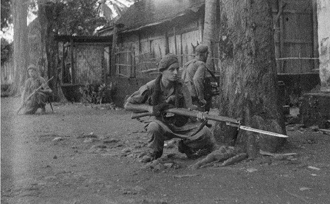 Inilah momen ketika pasukan Belanda memasuki sebuah kota di Indonesia [Image Source]