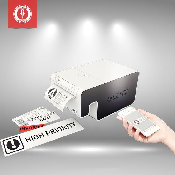 Tüm etiketleme ihtiyaçlarınız için tek bir makine! Leitz Icon etiketleme sistemi, etiket yazıcılarının fonksiyonelliğini ve ofis yazıcılarının hızını bir araya getiriyor. Dahası, Leitz Icon günümüz ofis ortamının ihtiyaçlarına uygun olarak tasarlandı.  1. Wi-Fi ve USB arayüzleri sayesinde Leitz Icon direkt PC'ye bağlanarak paylaşılan bir etiket yazıcı olarak çalışır.   2. Windows, Macintosh, iOS ve Android yazılım paketleri Leitz Icon'ın PC'ler ve MAC'lerle beraber akıllı telefon ve…