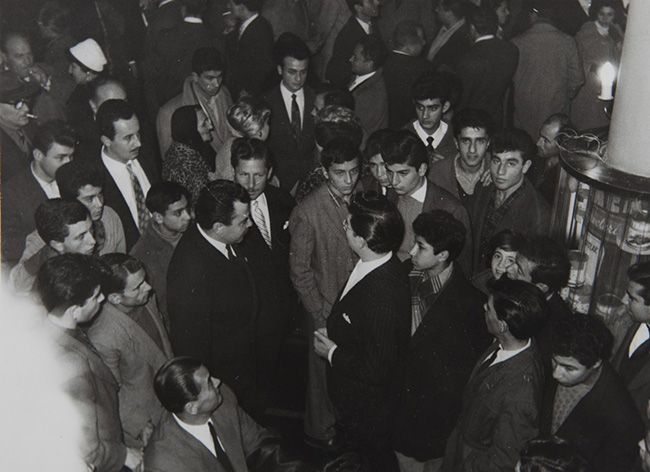 """Zeki Müren'in başrolünü üstlendiği """"Kırık Plak"""" filminin galası (1959). Türk Eğitim Vakfı ve TSK Mehmetçik Vakfı Arşivinden."""
