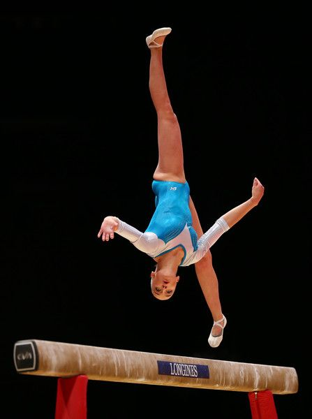Sanne Wevers Photos Photos - Sanne Wevers of Netherlands competes on the Beam during day ten of The World Artistic Gymnastics Championships at The SSE Hydro on November 01, 2015 in Glasgow, Scotland. - 2015 World Artistic Gymnastics Championships - Day Ten