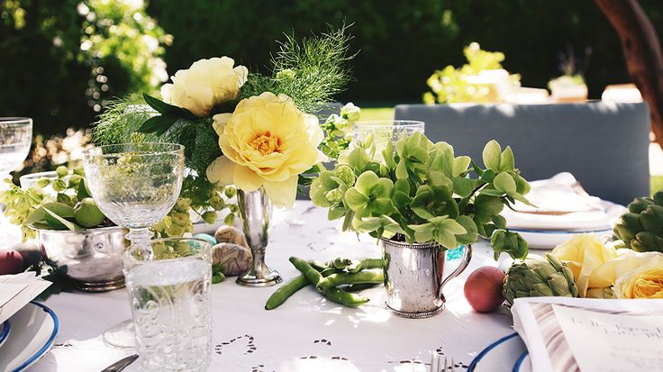 Your Guide to the PERFECT Easter Brunch // Easter, entertaining, tablescapes, party decor, outdoor tablescapes, brunch: Outdoor Tablescapes, Jenny Kayn, Kayn Easter, Parties Tableware, Summer Parties, Easter Tables, Kayn Entertainment, Easter Brunch, Vegans Kitchens