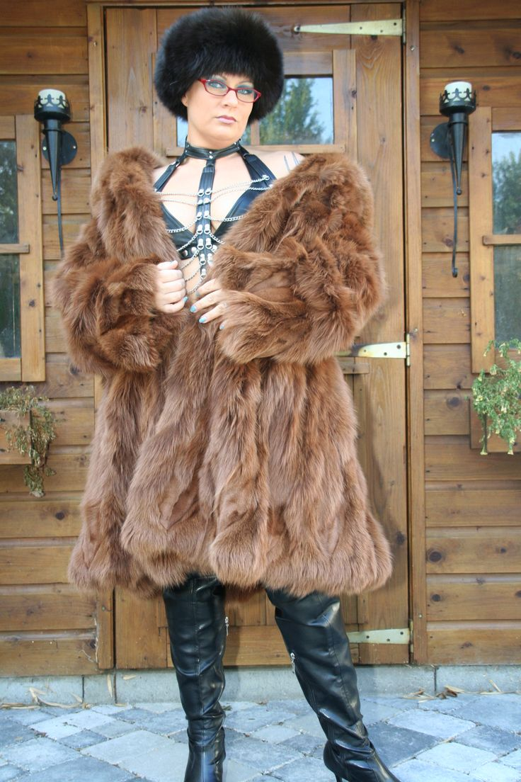 Agree, very Foxy fur passion photos for