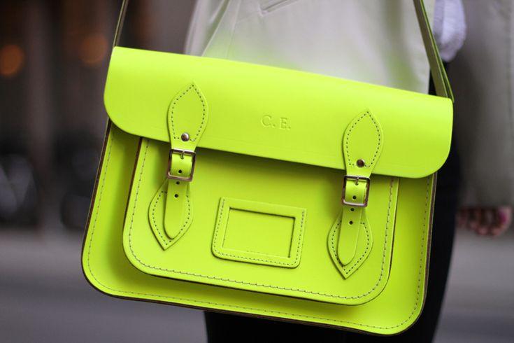 #bag fluoLeather Satchel, Neon Bags, Cambridge Satchel, Fashion Design, Neon Green, Neon Colors, Satchel Bags, Happy Weekend, Neon Yellow
