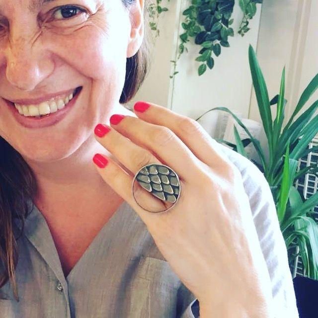 Doku yüzük #doku #gümüş #siyah #oksit #yüzük #elyapımı #takı #tasarım #texture #silver #ring #handmade #jewelry #design #black #oxidized #gift #contemporaryjewellery #istanbul