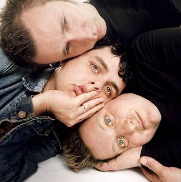 They are so close!!!  Sweet .. ;) Green Day
