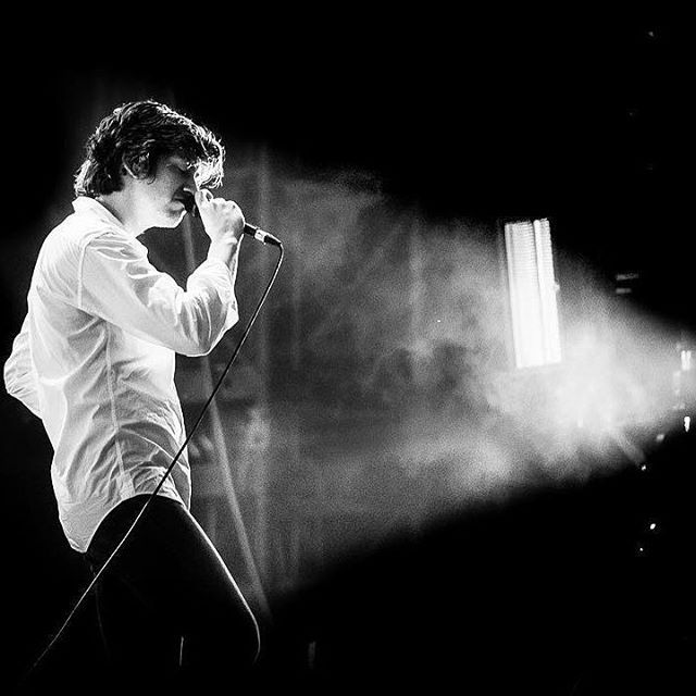 alexsbum/2016/11/15 00:52:55/I'm super excited for the release of TLSP's tour footage tbh and the thing that gets me more pumped up is the fact they had probably covered multiple gigs/concerts so we get to see more of everything 👌  #alexturner #tlsp
