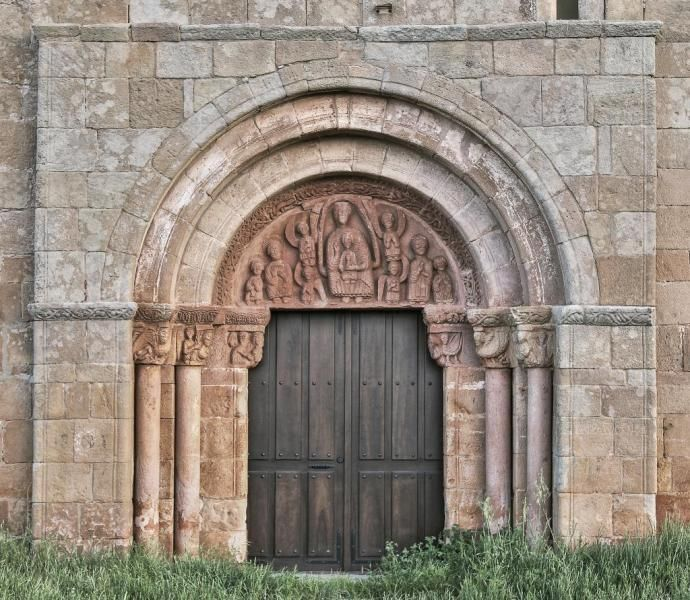 Tozalmoro, Campo de Gómara, Soria - Portada románica de la iglesia de San Juan Bautista