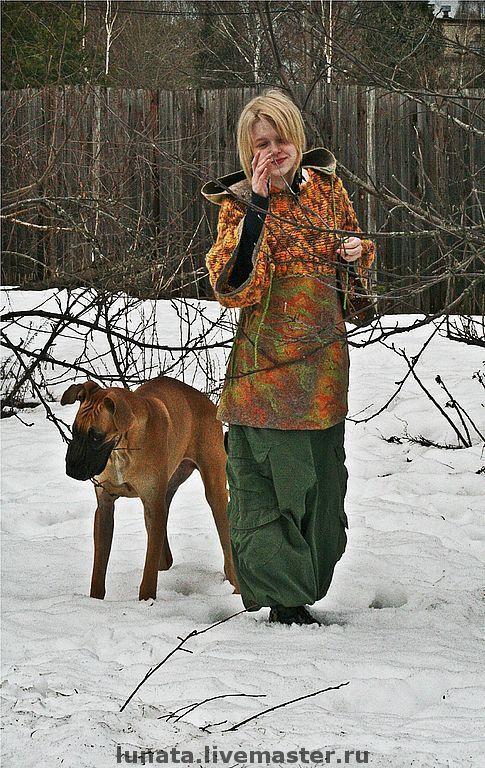 Купить или заказать Валяно-вязаный свитер с капюшоном 'Эльфийские сказки Бо и Бьо' в интернет-магазине на Ярмарке Мастеров. свитер, туника, куртка, балахон - назовите как хотите) и скорее из пыльного города - за весенними эльфийскими сказками... материалы: шерсть новозеландских овечек коридейл и мерино, магкая пряжа барбадос, волокна льна и конопли, латунная фурнитура, ожидание весны и добрые сказки авторский крой и дизайн. ручное вязание. мокрое валяние. единственный экземпляр.
