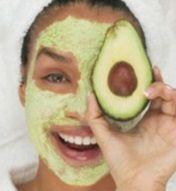 découvrez comment faire un masque à l'avocat pour avoir une peau parfaite