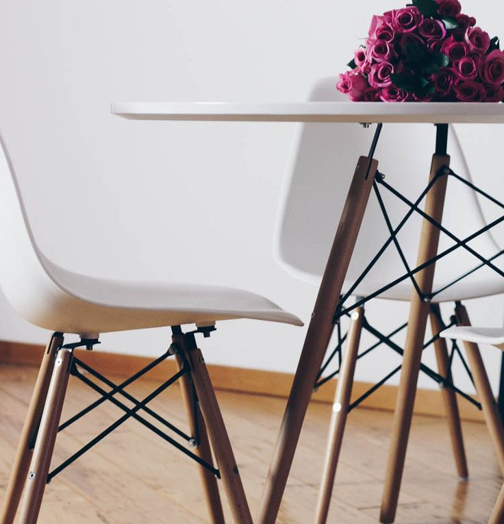 Structube Eiffel Dining Table and Chairs with Roses