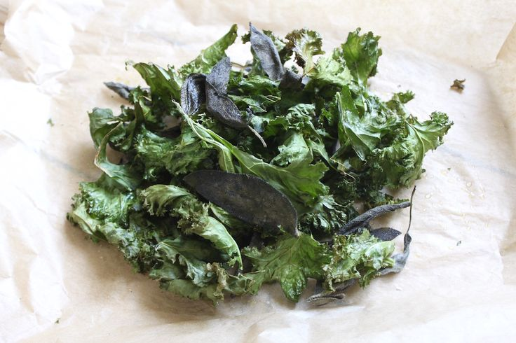 Opskrift: Salte salvie- og grønkålschips