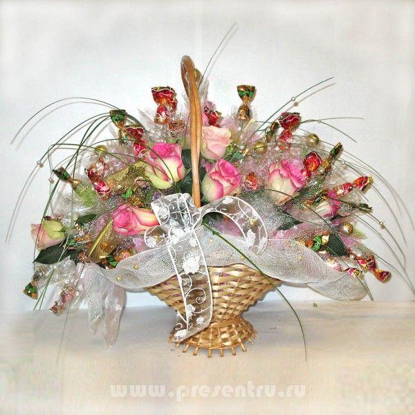 Королева - букеты из конфет на свадьбу и любое торжественное мероприятие