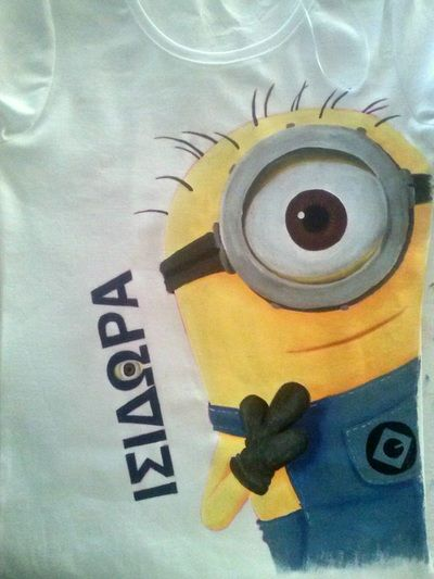 "Hand painted t shirt | ""Despicable Me"" 