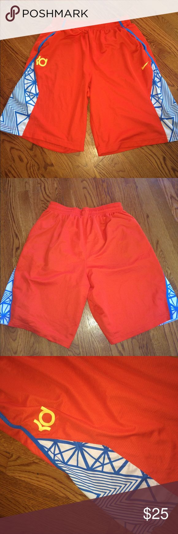 💥PRICE DROP!!💥Nike Dri-Fit KD Shorts Nike Dri-fit KD shorts. Size XL. Made of 100% polyester. In great condition! Just one tiny pulley on the back of the left leg (pictured.) Nike Shorts Athletic