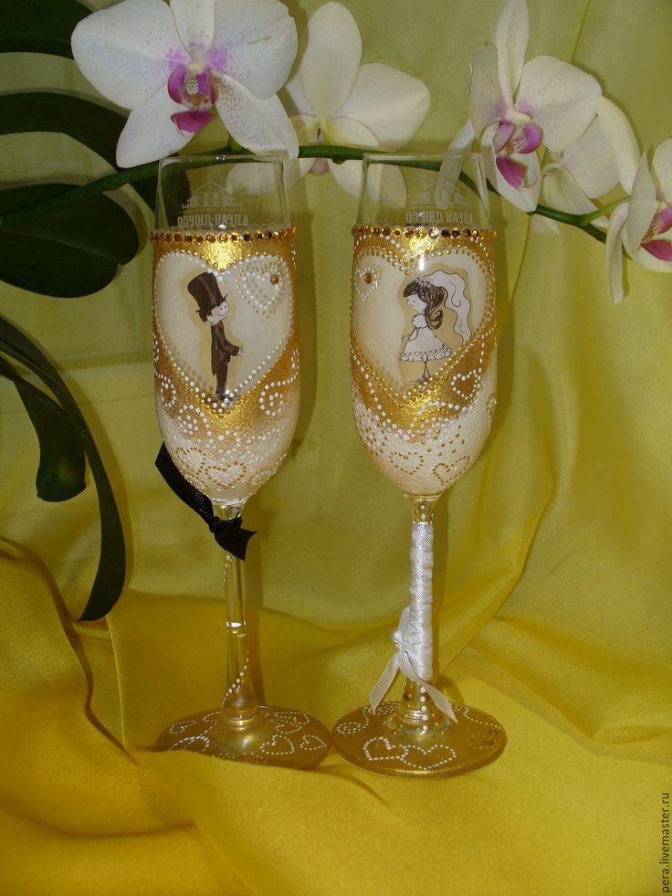 Купить Влюблённые... - золотой, свадьба, свадебные бокалы, свадебный подарок, жених и невеста, стекло