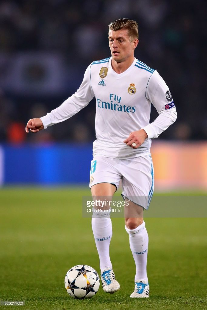 7d27ad840b6 Toni Kroos of Real Madrid in action during the UEFA Champions League Round  of 16 Second Leg match between Paris Saint-Germain and Real Madrid at Parc  des ...