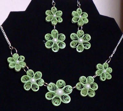 Quilled flower necklace and earring set.