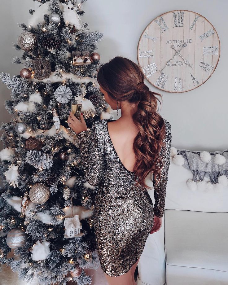"""19.9k Likes, 273 Comments - Caitlin (@cmcoving) on Instagram: """"Ladiesssss I found the perfect NYE dress! I always stress about what to wear on New Year's…"""""""