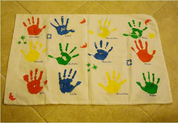Memory Pillowcases- going to do this for the end of the year gifts to my kids