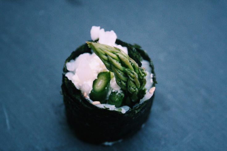 Sushi mit Spargel