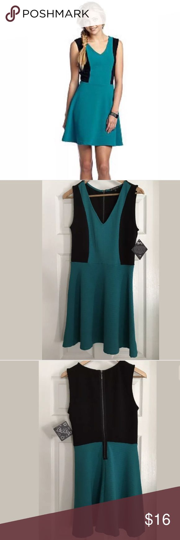 """BeBop Women's Fit And Flare Dress Size Medium BeBop Women's Fit And Flare Dress Size Medium Teal And Black. Preowned!! Excellent Condition!! Length 35"""" BeBop Dresses Mini"""