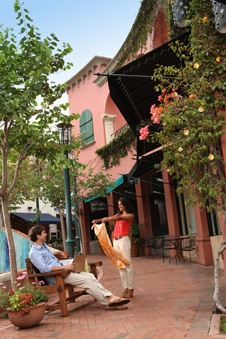Best places to shop in Downtown Santa Barbara   La Arcada is so charming!  #SantaBarbaraHoliday