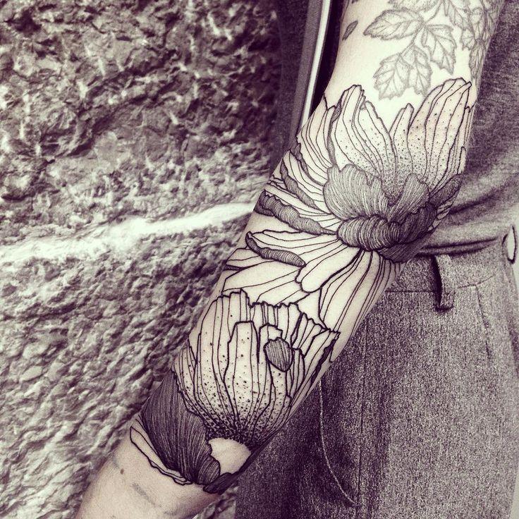 Wild Flowers! Think Massive! Done @empreinte_bodyart - Lyon #wildstyleflower #wildflower #flowerstattoo  #fleur #tatouagedefleur #tatoueur #tattooer #tattooer #tattooartist #tattooart #tattoodesign #artistetatoueur #inkedbyguet #design #dotwork #dotworker #dotworktattoo #designtattoo #guet #graphism #graphictattoo #blackwork #blacktattoo #blackworker #blacktattooart #sorrymummytattoo #empreintebodyart #tattrx #tttism #dontcopyplease