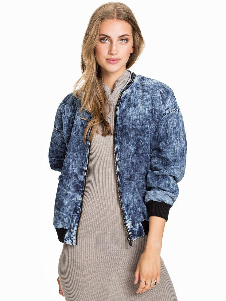 Bailey Bomber - Calvin Klein Jeans - Mönstrad - Jackor - Kläder - Kvinna - Nelly.com