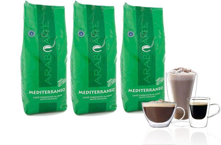 Arabicaffe Bio 3kg  Arabicaffè Mediterraneo Bio: 3kg De Arabicaffè Mediterraneo Bio van gecontroleerde en ecologische teelt laat de kunst van het Italiaanse koffiemaken zien. De 100% arabicabonen worden op grote hoogtes geteeld waardoor de koffie fijner en waardevoller wordt. Hiermee zet je een krachtige koffie met een uitstekende grijs-bruine crèmelaag (typisch voor een bio-koffie) en een laag cafeïnegehalte: een overtuigende smaak met een bloemig en fruitig zuurtje expliciet geschikt voor…