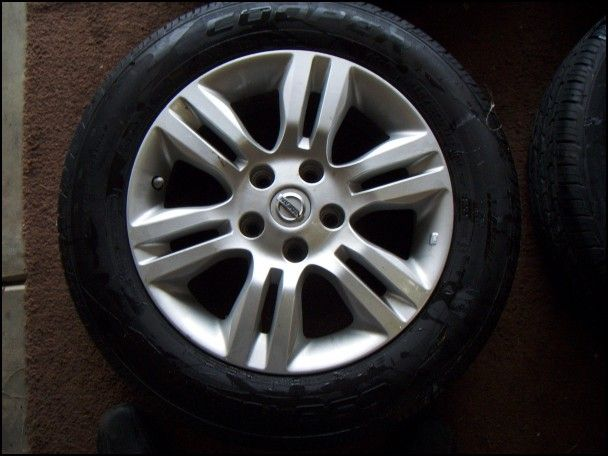 2007 Nissan Sentra 2.0 S Tire Size
