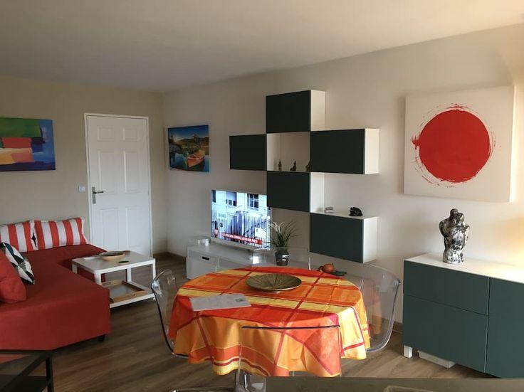 Epingle Par Les Pins Maritimes Frejus Sur Les Pins Maritimes Frejus Decoration Maison Interieur Louer Un Appartement