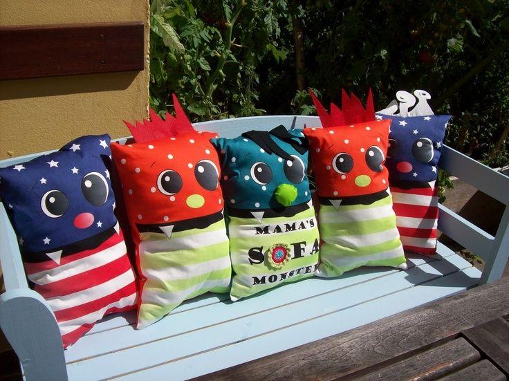 Stoffe für diese monstermäßig tollen Kissen gibt es hier zu kaufen... http://www.stoff-schmie.de/blog-stoff/wenn-die-monster-morgens-klingeln Nur Nähen müßt ihr selber :-)