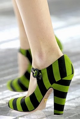 Loving the hell out of these bold Prada shoes. : Green Shoes, Fashion Shoes, Prada Spring, Witch Shoes, Wizards Of Oz, Girls Shoes, Mary Jane, Black Stripes, Wicked