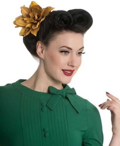 Peinado Pin Up. Estilo Pin Up Actual: Outfit + Ideas para Look Años 50 #retrofashion #pinup #vintagestyle #vintagefashion #hellbunny #alternative #xtremonline #vestidos #rockabilly #hairstyles #makeup #maquillaje #peinados