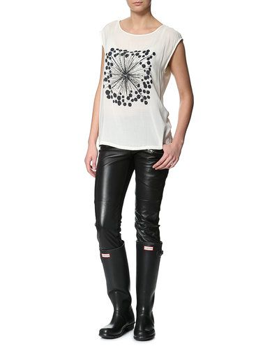 buy the style for 1 177,97 zł  http://www.stylepit.pl/ona/stylizacje/l90248-kalosze-hunter-original-skorzane-spodnie-object_top-saint-tropez