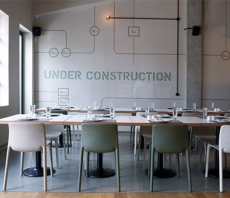 industrial style / restaurant: Interiors Inspiration, Restaurantsbarsfood Marketing, Restaurant Interiors, Flowers Pots, Interiors Design, Prosopa Restaurant, De Restaurant, Industrial Design, Graphics Messages