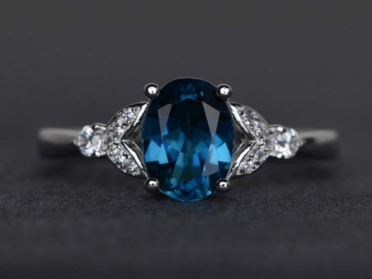 Londres topaze bleue bague topaze bleue bague ovale bague de fiançailles en argent sterling anneau de promesse par XCjewelryStudio sur Etsy https://www.etsy.com/fr/listing/517067997/londres-topaze-bleue-bague-topaze-bleue