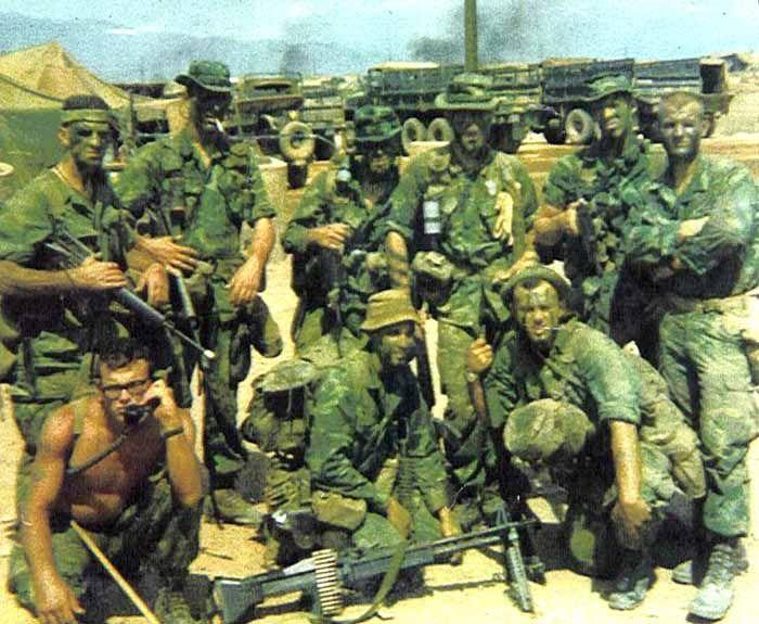 USMC Recon squad - Vietnam