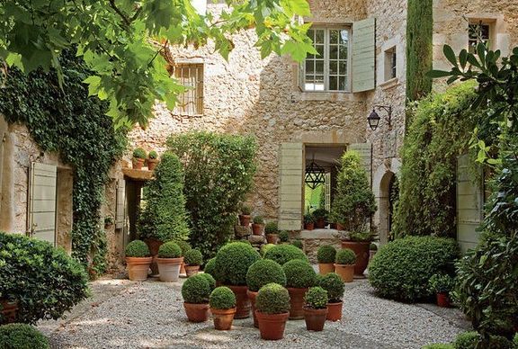 FRANCOISE AND BETTY CATROUX GARDEN- WALL STREET JOURNAL MAGAZINE