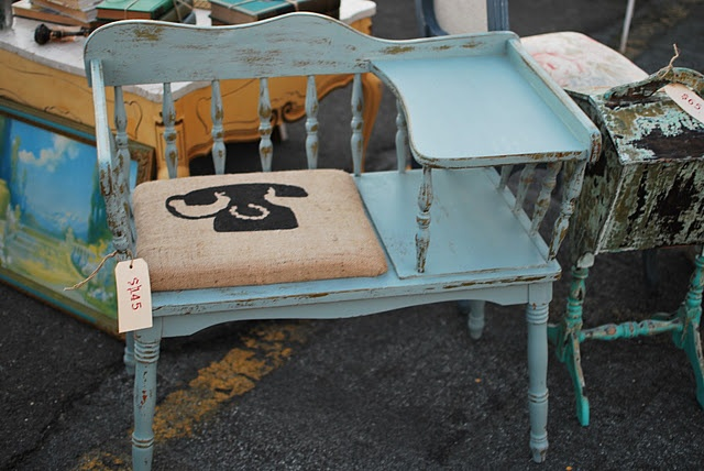 Hand-painted telephone bench. @Lisa Phillips-Barton Schafer @Aubrey Godden L @Tami Arnold Utzig I need something like this for my entry. Keep ur eyes open.