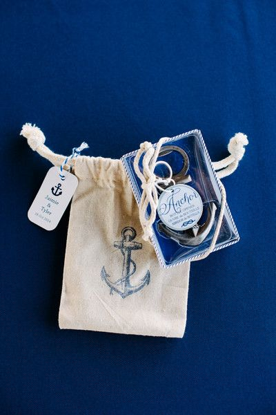 Nautical anchor bottle opener wedding favors | Anchor Bottle Opener by @kateaspen | Photo: Riverland Studios