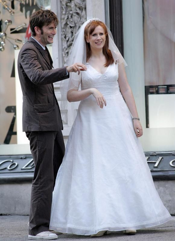 Pin By Screenfashions On Doctor Who New Companions In 2020 Catherine Tate Doctor Who Runaway Bride