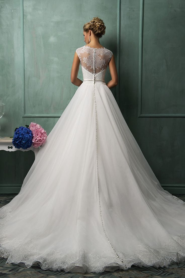 White Illusion Cap Sleeve Boat Neck Lace Bodice Ball Gown Wedding Dress with Belt