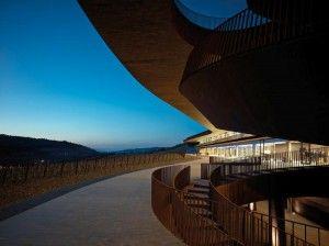 """Al via """"New Art & Wine in Tuscany"""", percorsi fra vino e grandi architetture per far scoprire il volto contemporaneo della Toscana.... http://www.inbenessere.it/2014/09/vino-architettura-toscana/"""