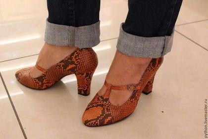 Оранжевые туфли из кожи питона. Handmade.
