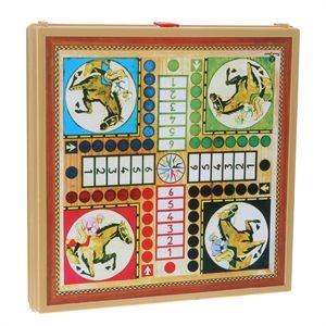 des mallettes de jeux offertes à Noël et des parties interminables de petits chevaux