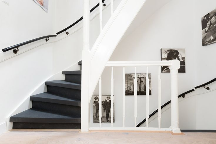 25 beste idee n over zwarte trap op pinterest trappenhuis schilderen zwarte leuning en zwart - Geschilderde houten trap ...