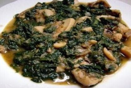 Ingredients: 1 kg cuttlefish cleaned 1 cup fennel sliced 2 cups chopped spinach 2 spring onions chopped 1 small onion, finely sliced 1 medium size tomato, cubed the juice from 1 large lemon 1 cup olive oil salt pepper